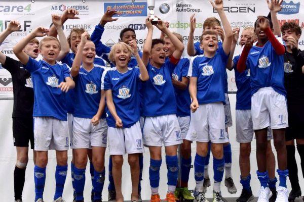 NF Academy U14 team celebrating their victory