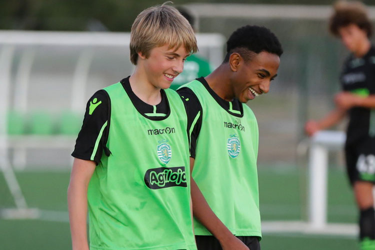 NF Academy players training in Sporting CP